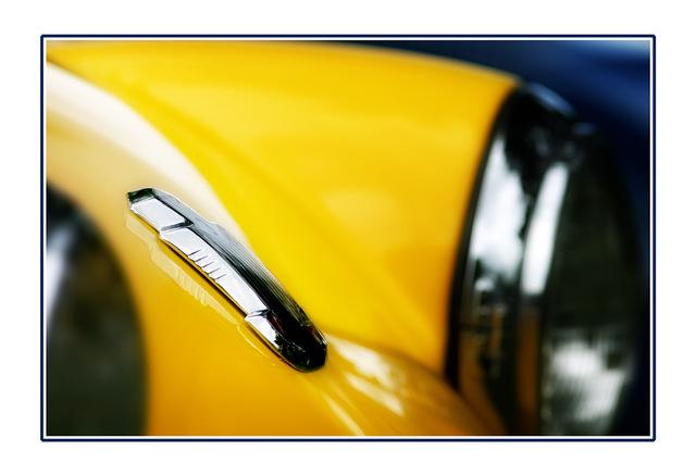 emblem Automobile