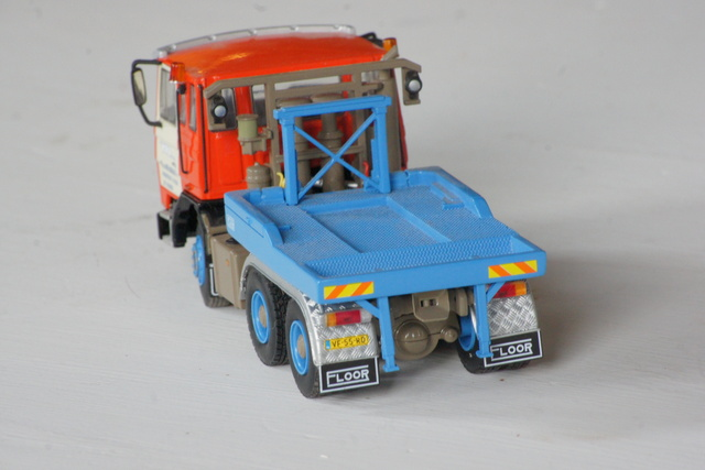 Miniaturen 033 urk