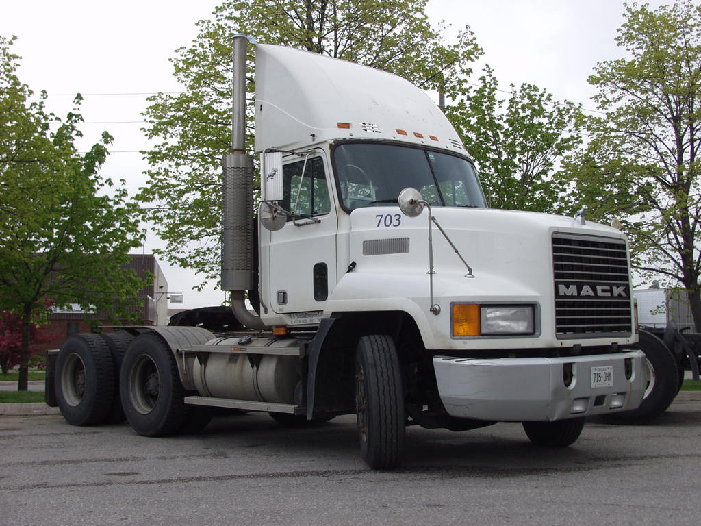 P5192640 - canada usa 2002