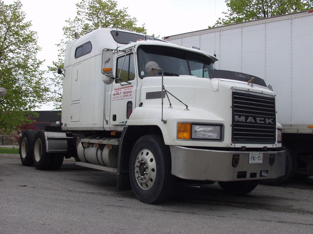 P5192641 - canada usa 2002