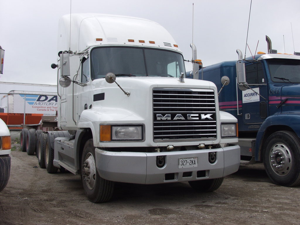 P5192648 - canada usa 2002