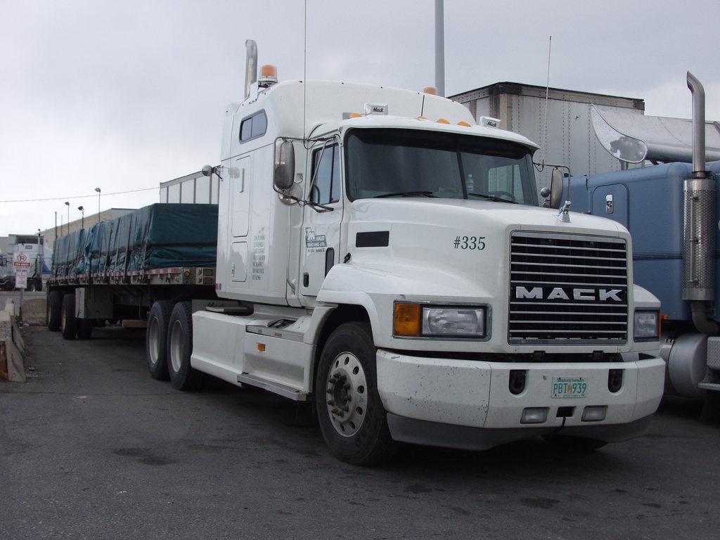 P5192668 - canada usa 2002