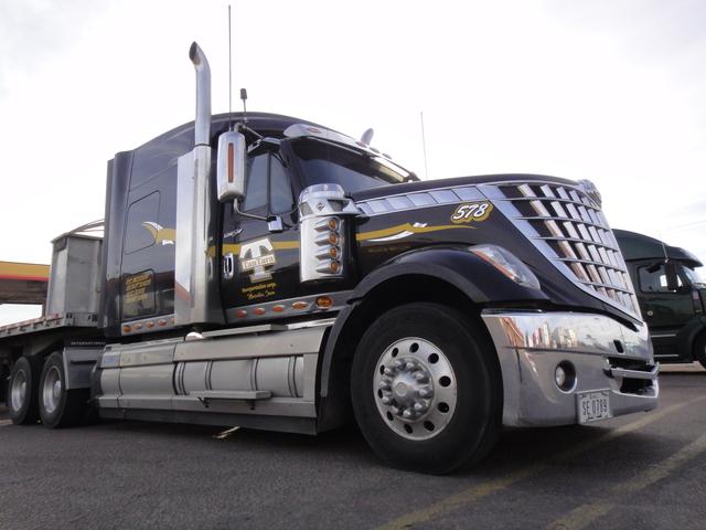 DSC04206 Trucks