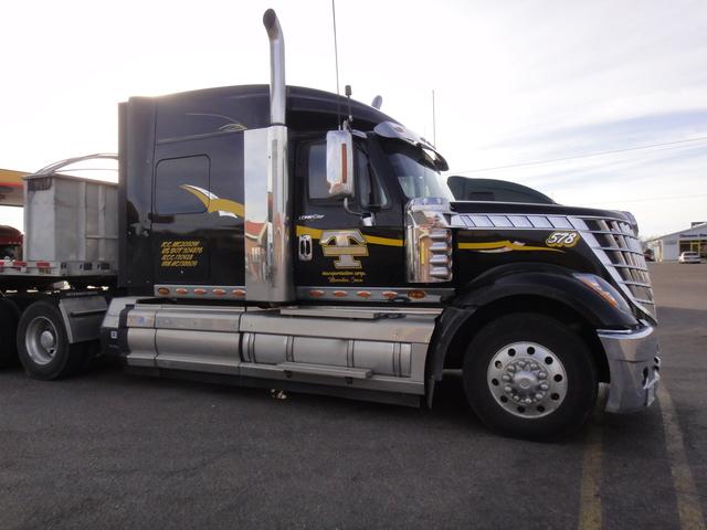 DSC04205 Trucks