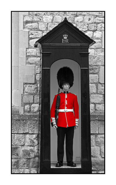 Crown Jewels Guard Red England and Wales