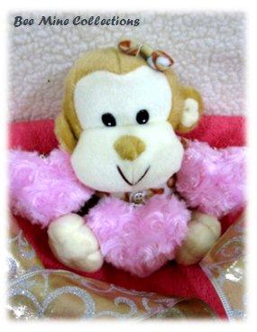 Monkey w 3 hearts bouquet - 205.000 -