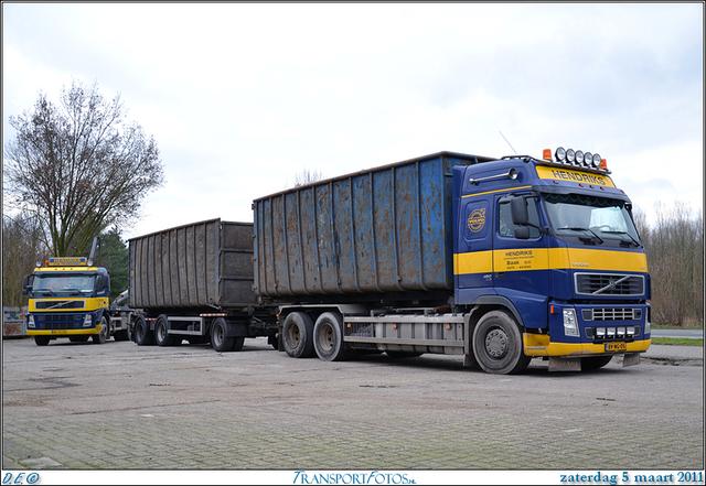 DSC 0986-Border 05-03-2011