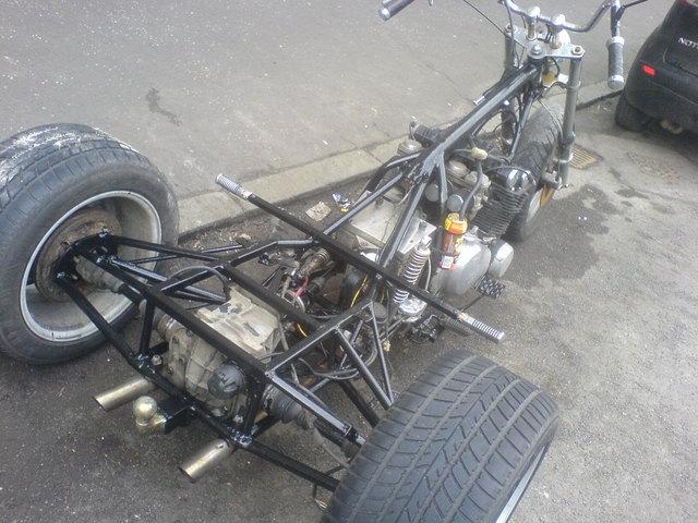 DSC00608 guzzi trike