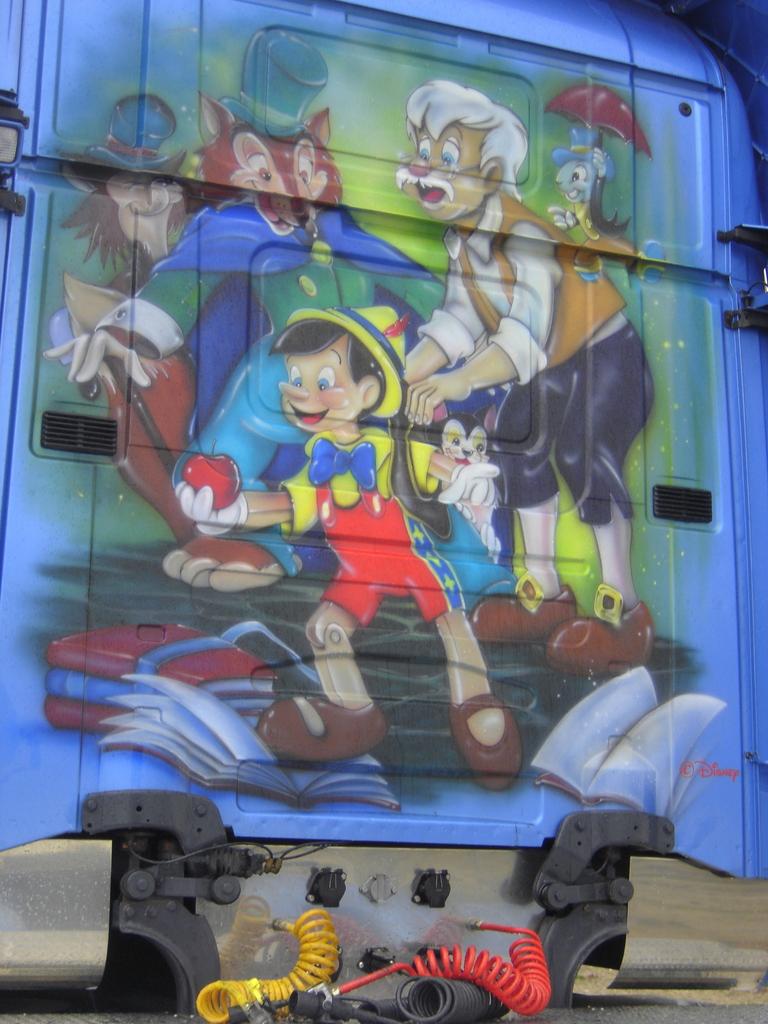 Disneyliner 12 -