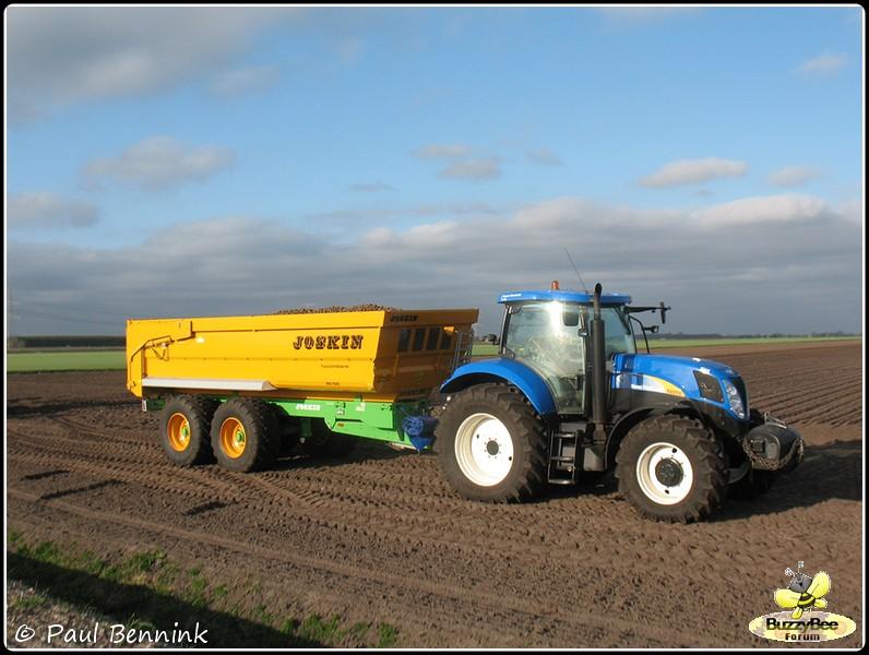 New Holland T6070-BorderMaker -