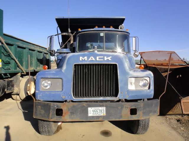 DSC08089 March 2011