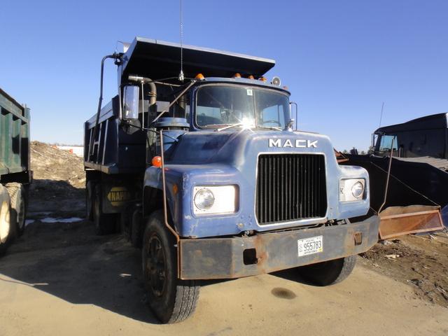 DSC08088 March 2011