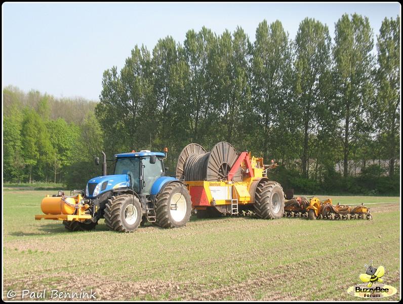New Holland T7030 (2)-BorderMaker -
