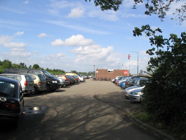 IMG 4584 parkeren sportvelden Linschoten op zaterdag 12 mei