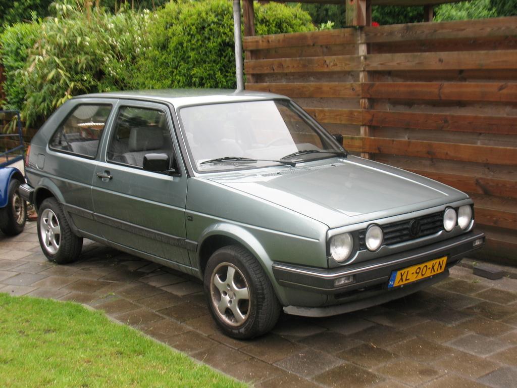 VW Golf (2) -