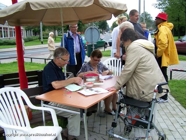 bbq Weldam 2011 (1) Buurtbarbecue in De Weldam 2011
