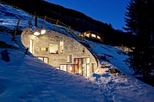 Concrete-Villa-Vals-in-Switzerland -