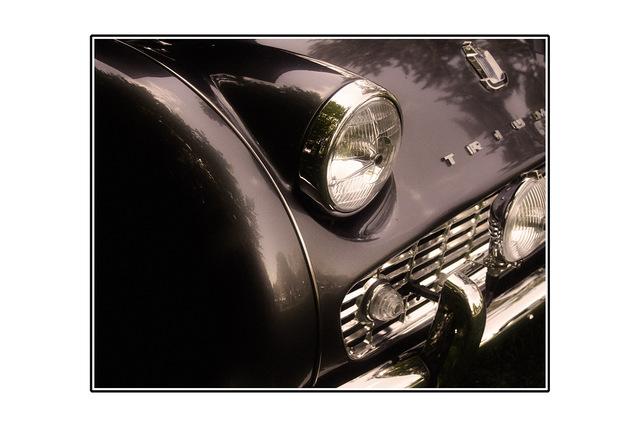 sepia triumph Automobile