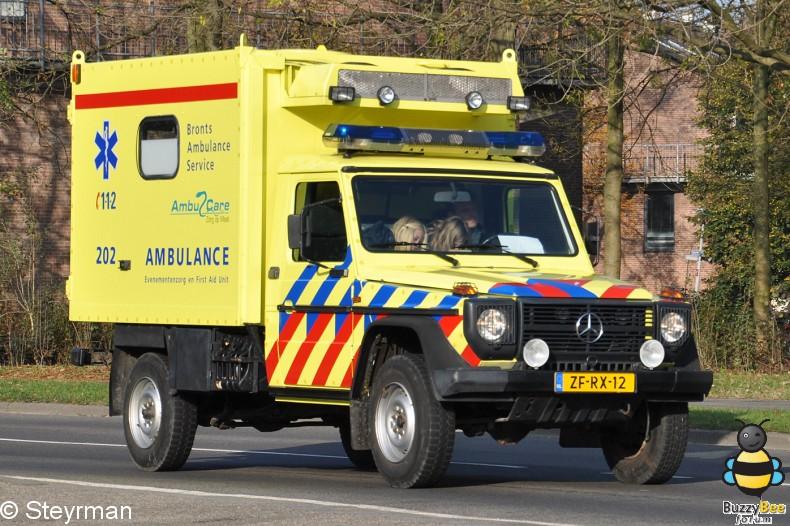 DSC 7902-border - Ambulanceoptocht UMC Utrecht 2011