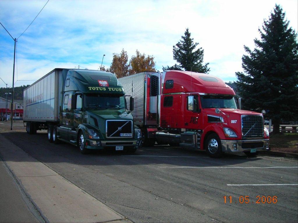 f0057 - Trucks