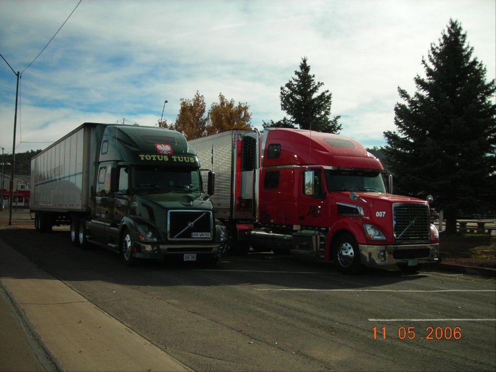f0056 - Trucks