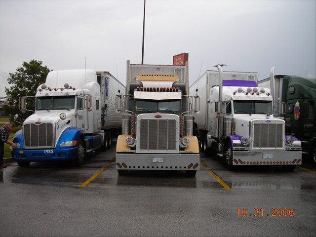 f0032 Trucks