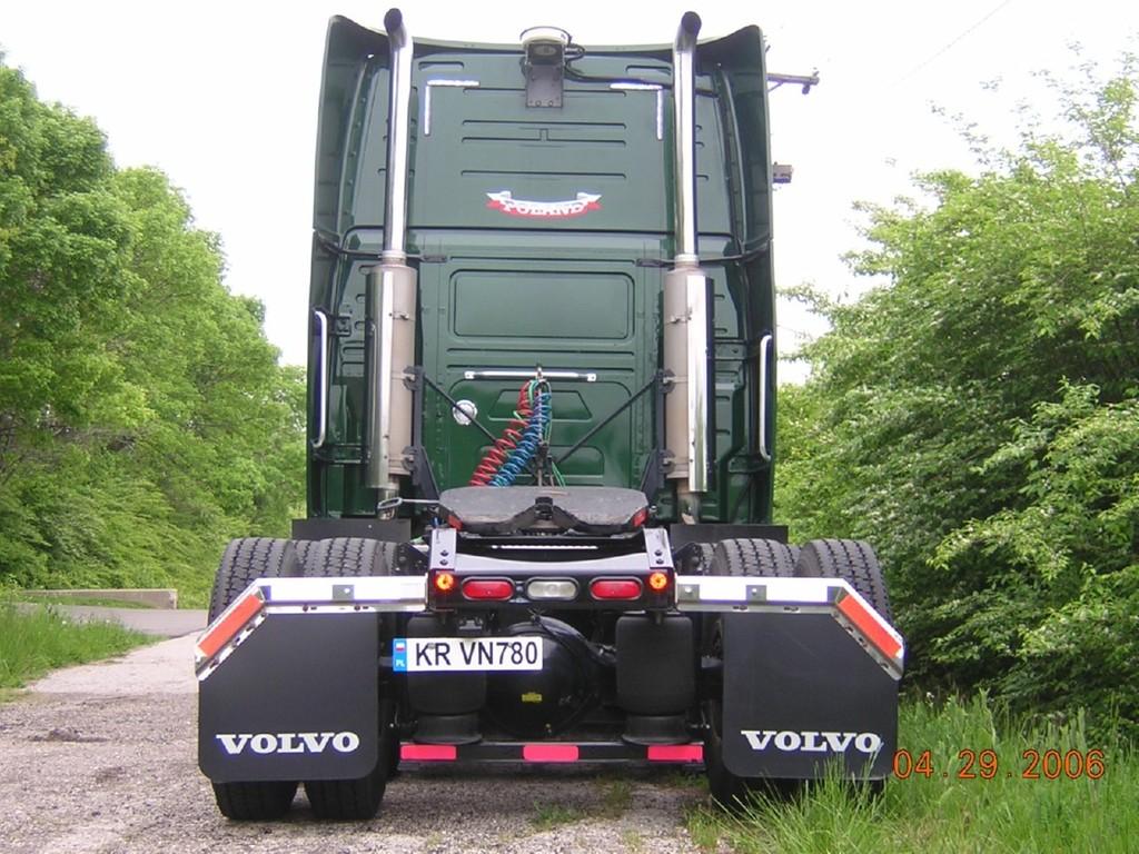 f0025 - Trucks
