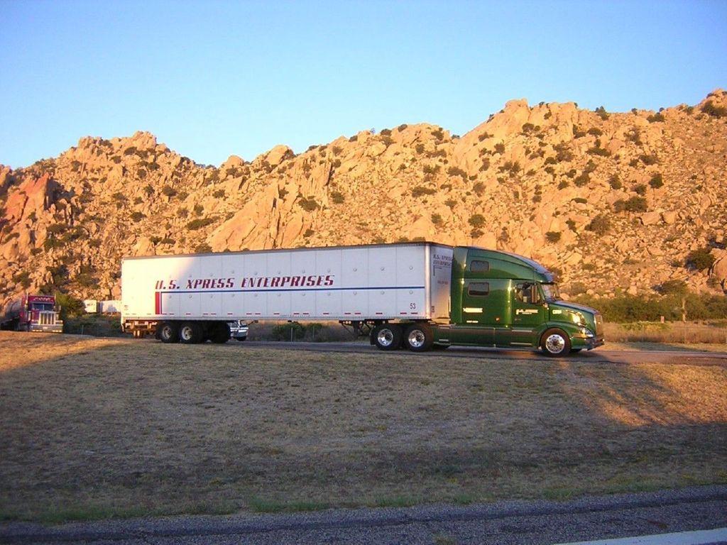 f0021 - Trucks