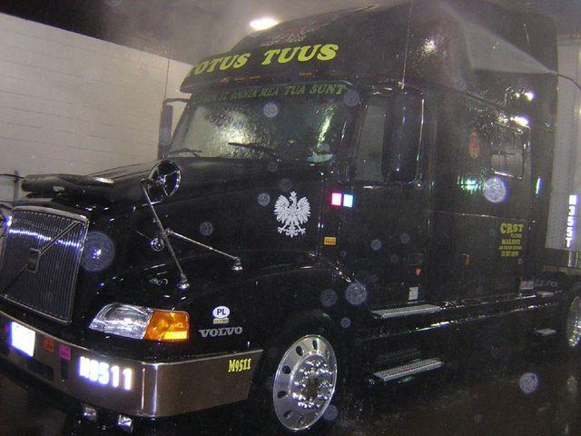 f0003 Trucks
