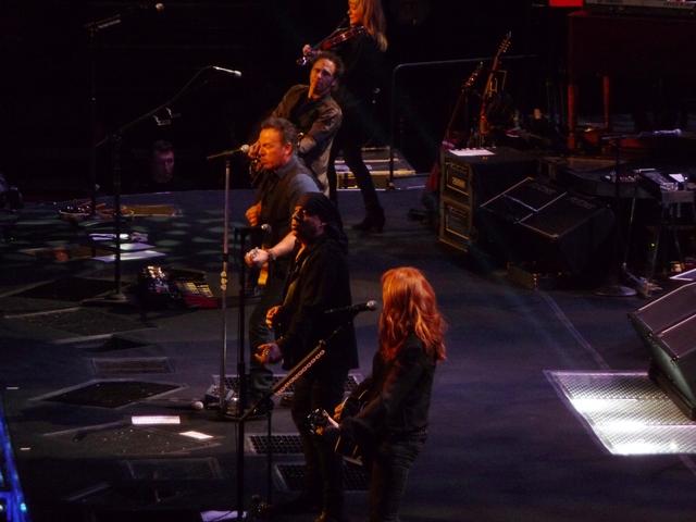 P1140661 Bruce Springsteen - Izod - 04-03-2012