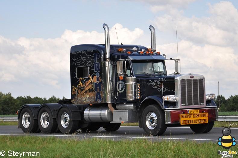 DSC 3397-border - Truckstar Festival 2012