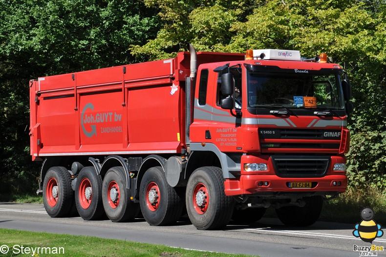 DSC 5935-border - KatwijkBinse Truckrun 2012
