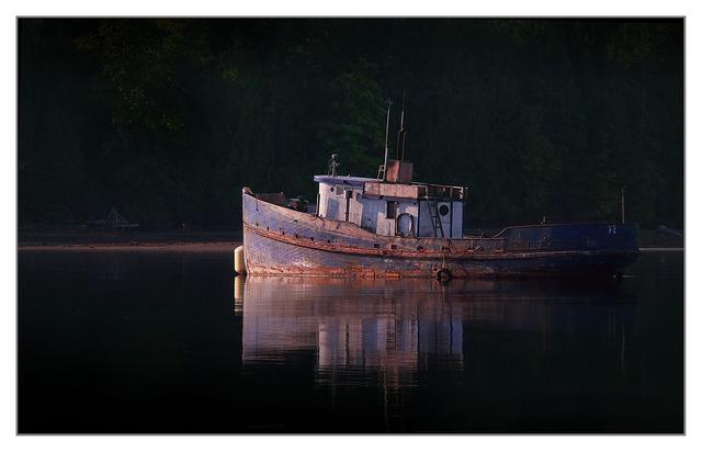DeepBay Rusty Boat Vancouver Island
